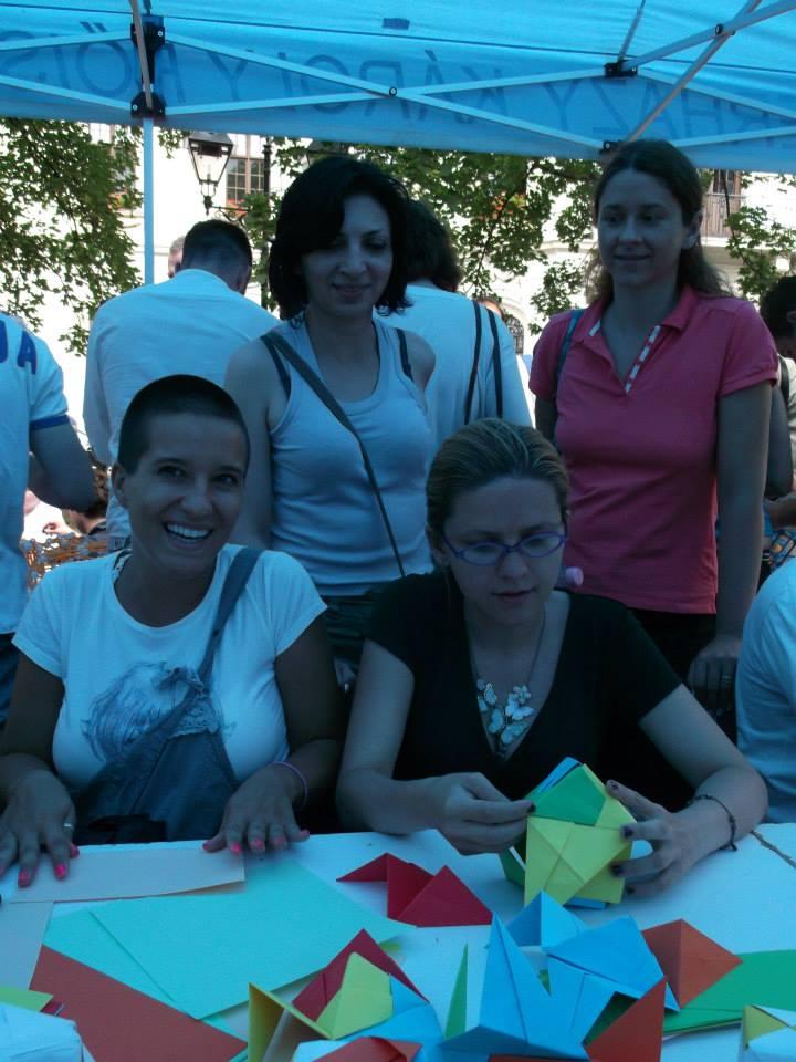 Natalja Budinski's origami workshop at the Experience Workshop's international Family Day, organized at the Eszterházy Károly College's Summer University. Photo: Jasminka Radovanovic