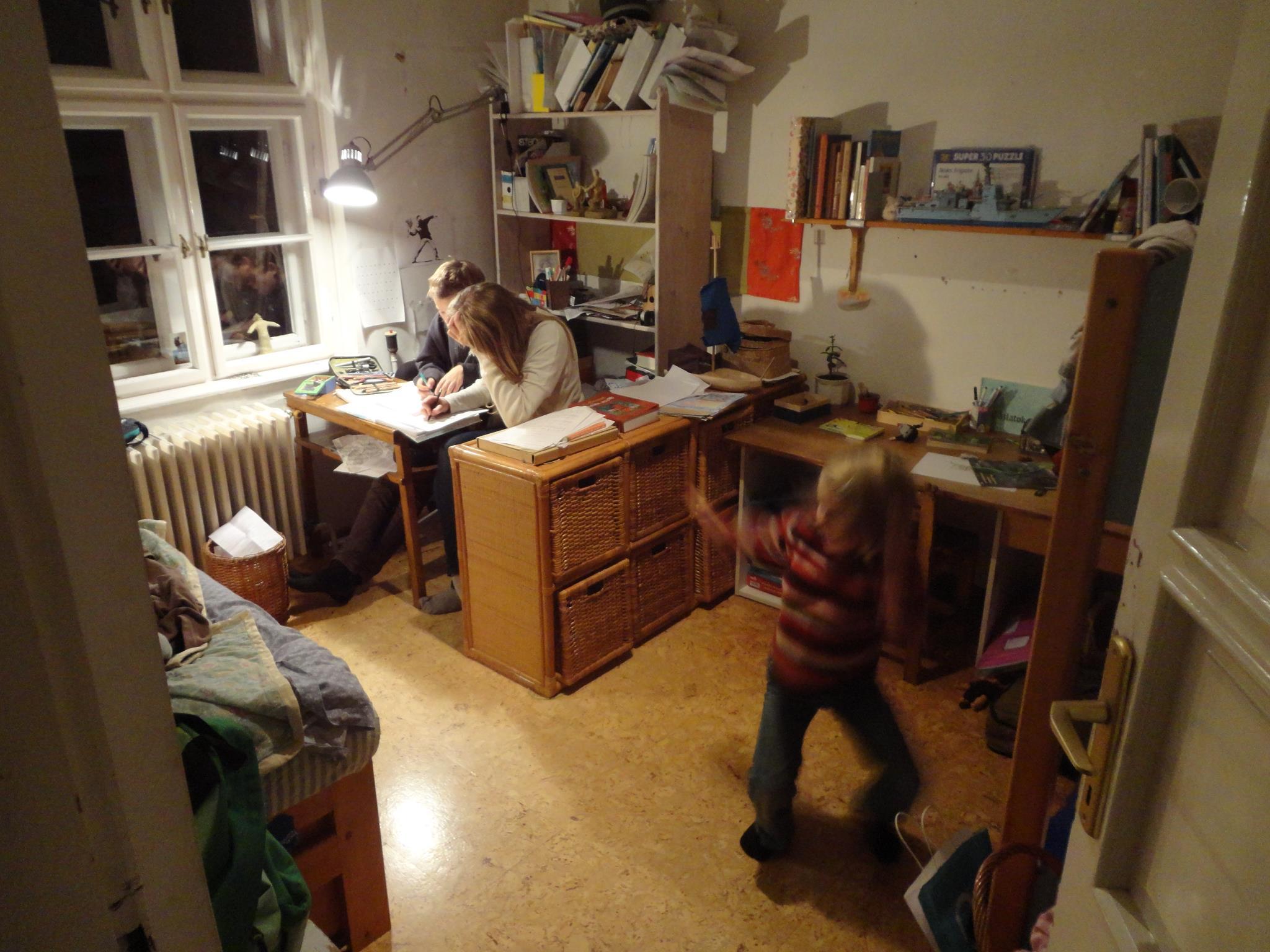 Matekleckeírós délután Ungváry Fanniéknál, a Hátsó Kapus gyerekprogramok vezetőjénél