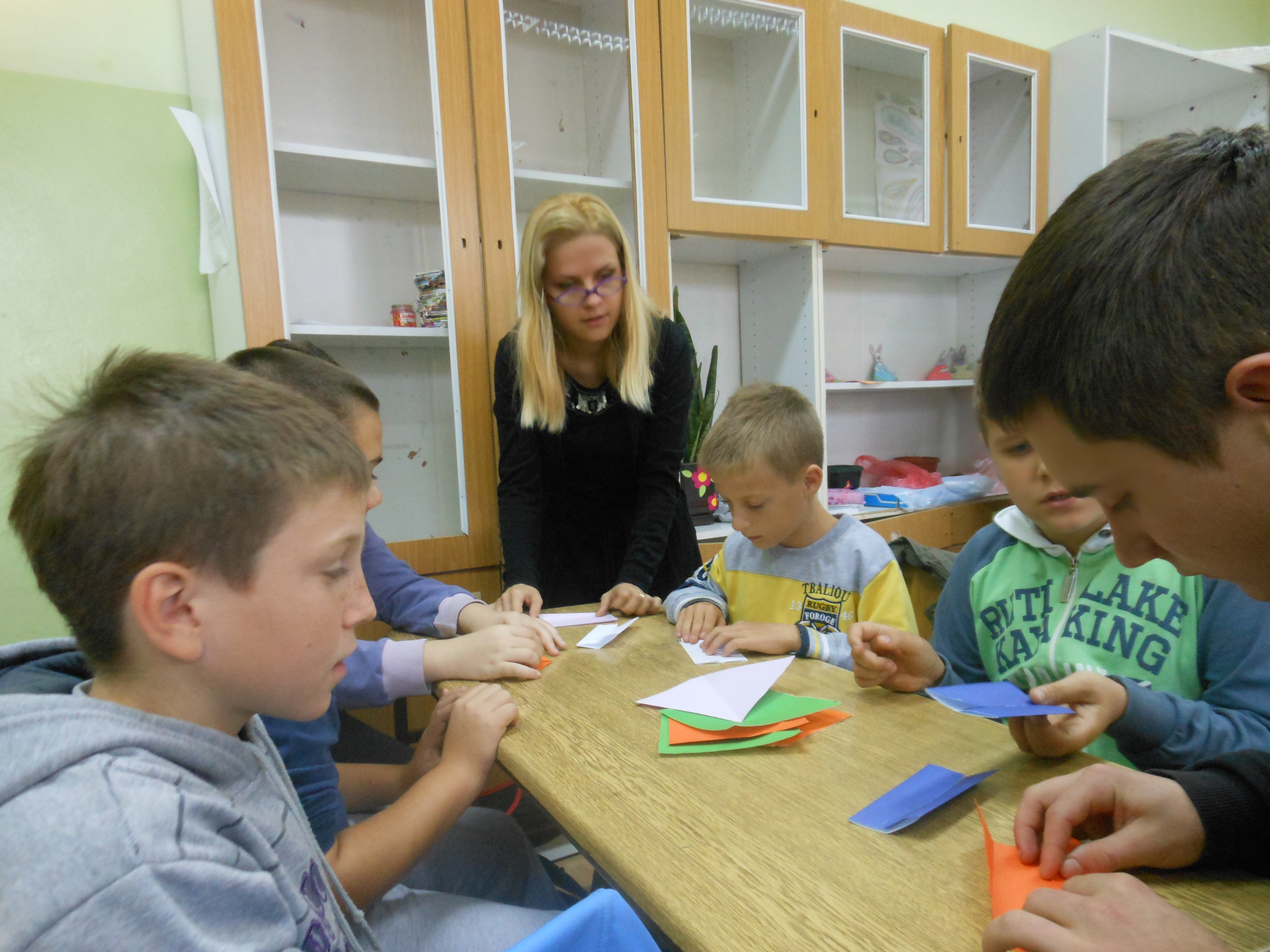 Natalja Budinski use origami at math class to illustrate difficult geometrical problems