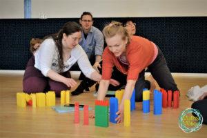 Oktatási segédanyagok, ötletek: mozgásban a matematika! Nézz körül a Maths