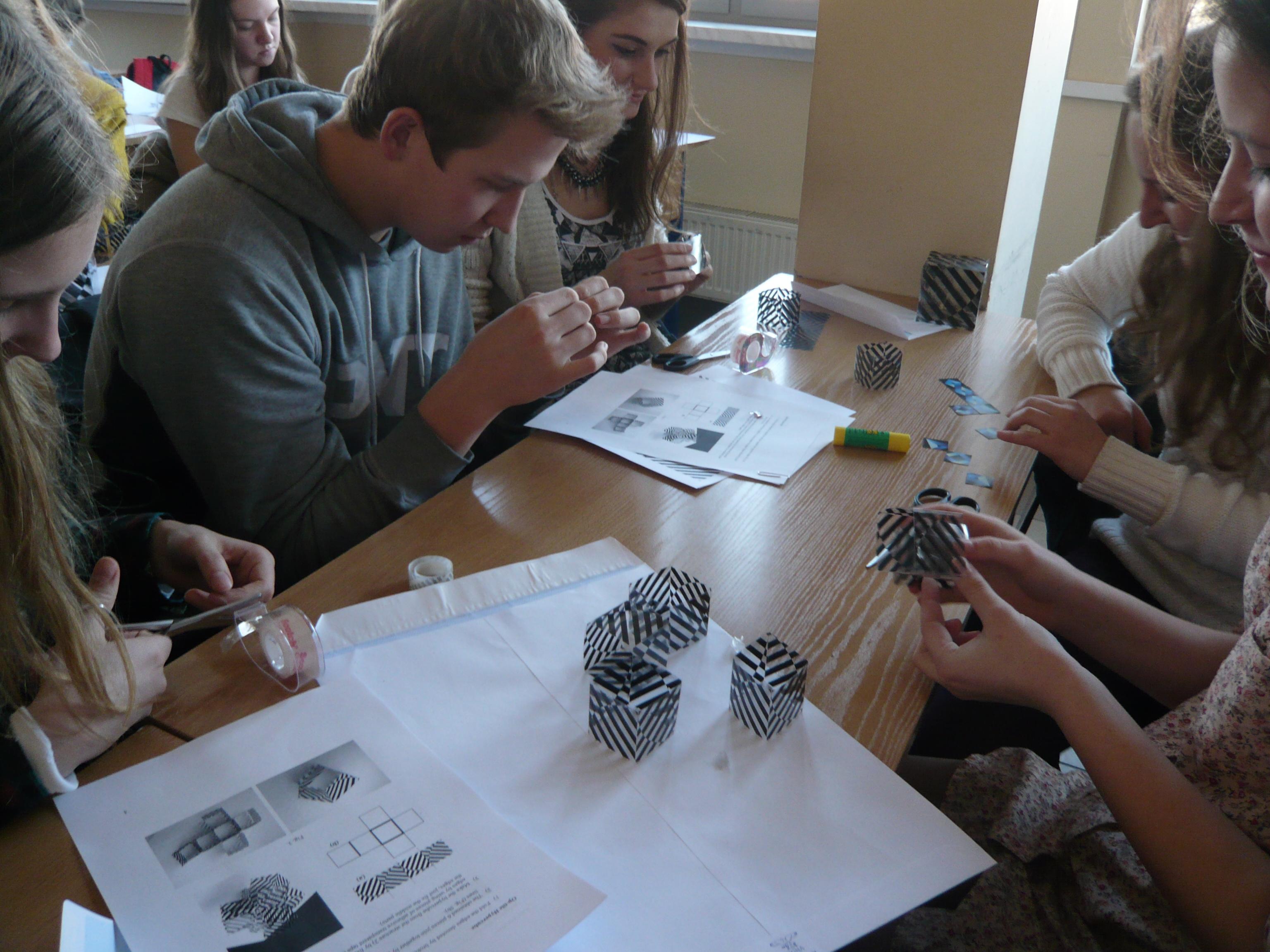 Lengyel diákok Slavik Jablan Vizuális matematikai műhelyén Wroclaw-ban
