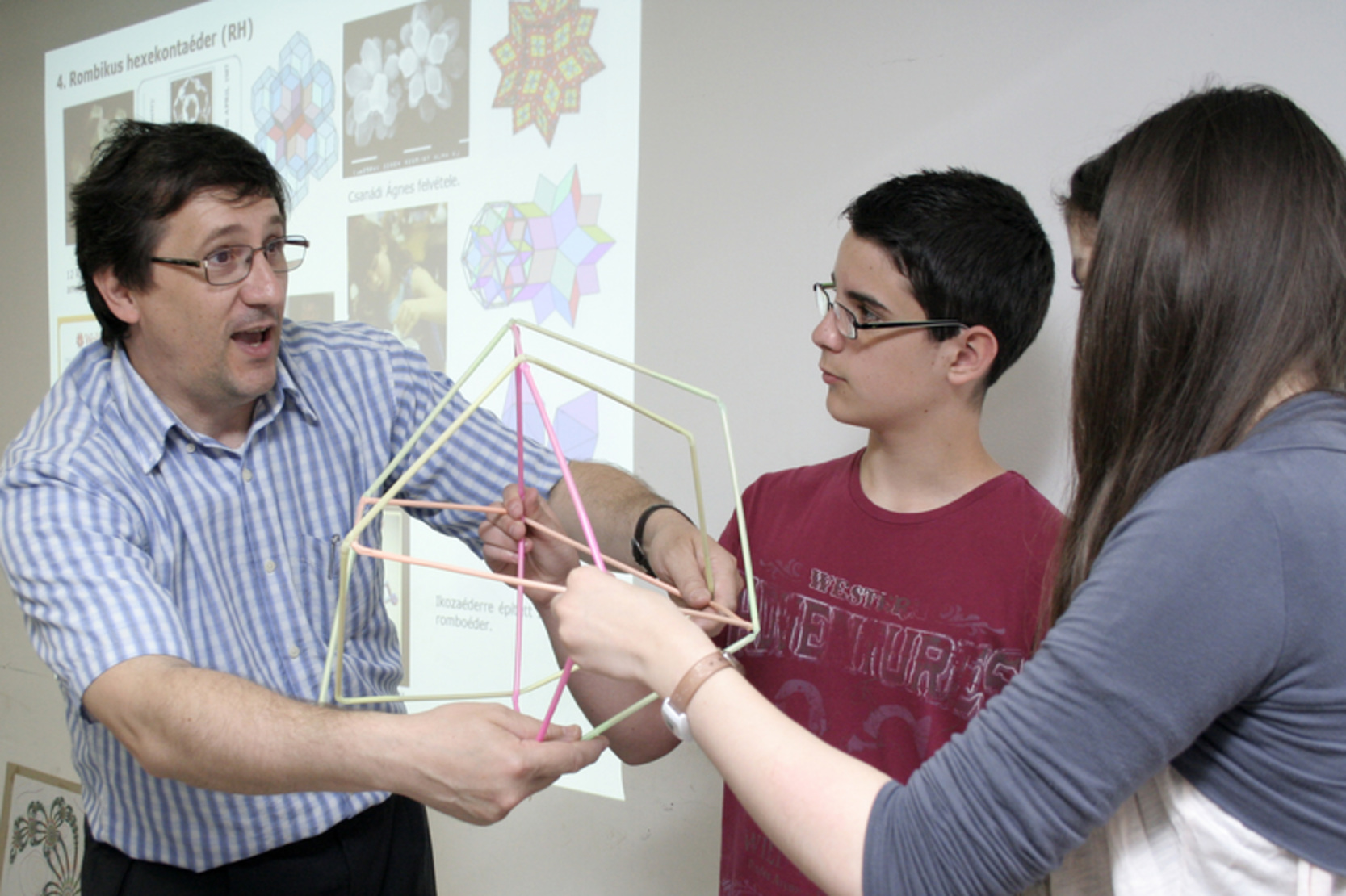 Holló-Szabó Ferenc, a Magyar Matematikai Múzeum vezetője akcióban